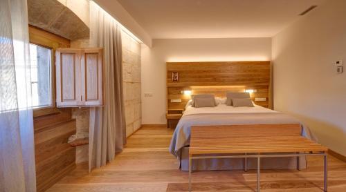 Habitación Doble Superior con aparcamiento gratuito Hotel Real Colegiata San Isidoro 4