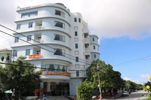 . Palace Hotel