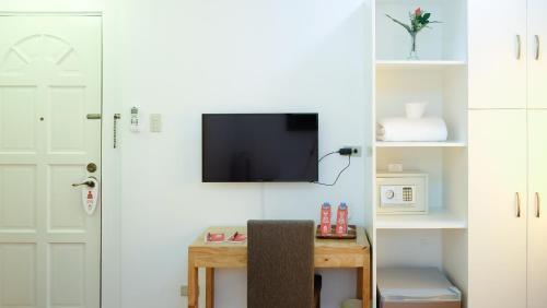 picture 5 of ZEN Rooms Makati Riverside