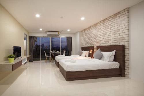 Q Space Residence photo 3
