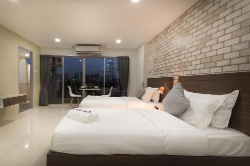 Q Space Residence photo 4