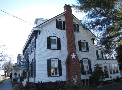 Isaac Hilliard House - Bed And Breakfast - Pemberton, NJ 08068