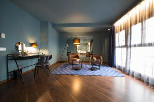 Suite Pamplona Catedral Hotel 4