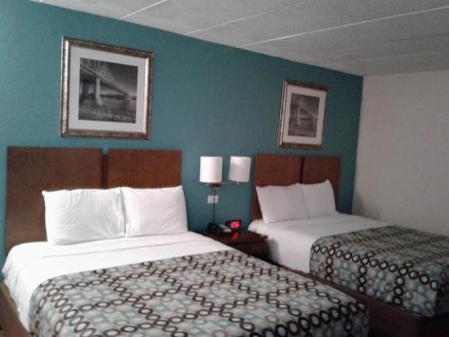 Red Carpet Inn Rochester - Rochester, MN 55904