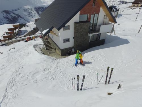 Mountain Cricket Chalets and Apartments Gudauri