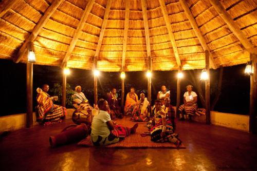 Фото отеля Fundudzi Cultural Camp