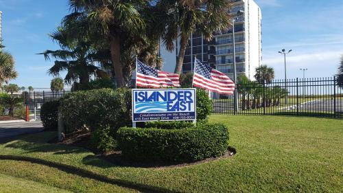 Islander East Condominiums - Apartment - Galveston