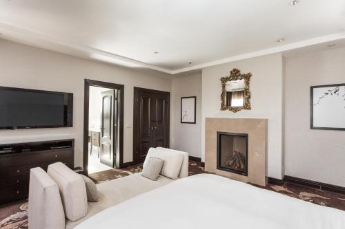 Montecito Inn - image 4