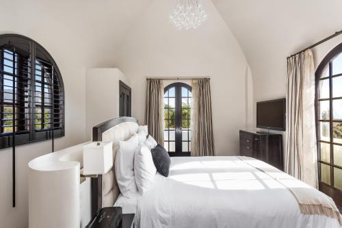 Montecito Inn - image 6