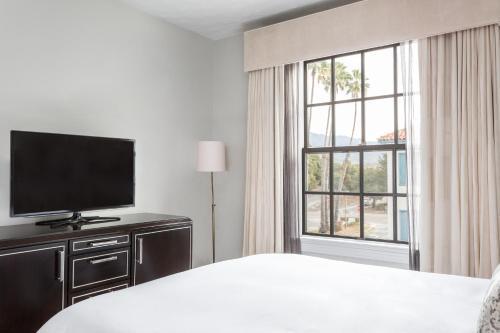 Montecito Inn - image 11