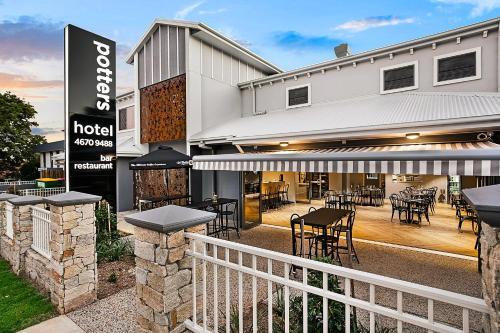. Potters Toowoomba Hotel