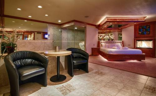 Hotel Sybaris Pool Suites Northbrook - Adults Only thumb-3