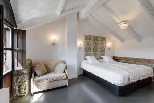 Two-Bedroom House Casas Pirineos 15