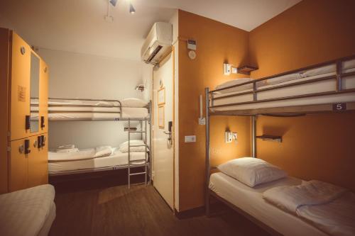 Budget Hotel Tourist Inn photo 56