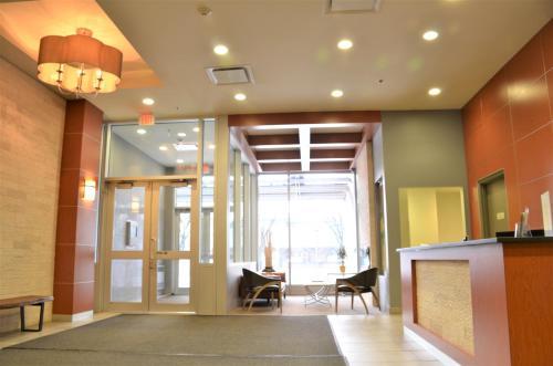 Monki Di Executive Suites - Alura - Calgary, AB T2G 0G8