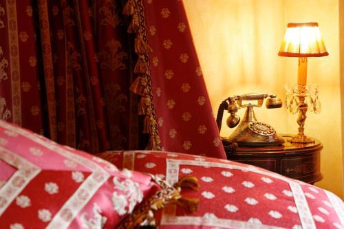 Habitación Doble con bañera de hidromasaje  Hotel Boutique Real Casona De Las Amas 1