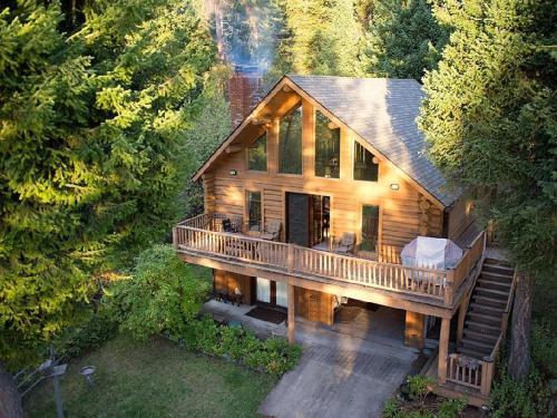 Flathead Lake Log Cabin