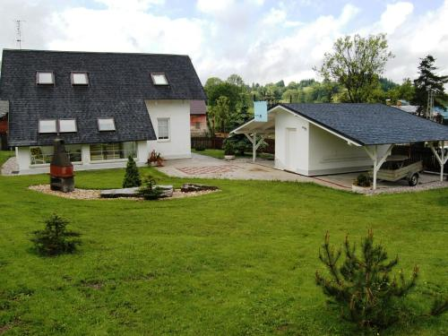Serene Holiday Home with Private Garden, Whirlpool, Terrace