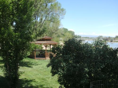 Riverwood Inn - Delta, CO 81416