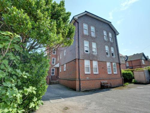 . Nice Apartment in Deal Kent with Parking