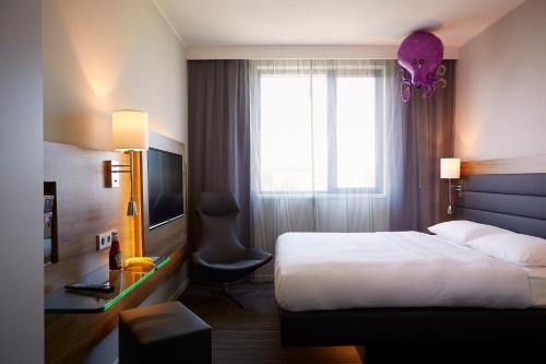 Moxy Frankfurt Airport photo 3