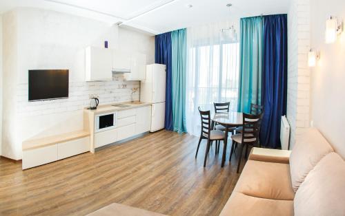 . Apartments na Kurortny Prospekt 105