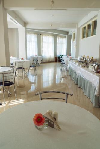 Hotel Ariel, Kohima