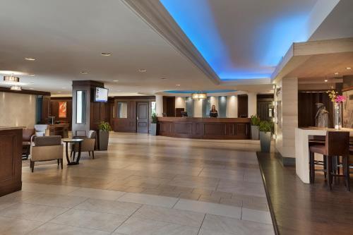 Hotel Halifax - Photo 1 of 33