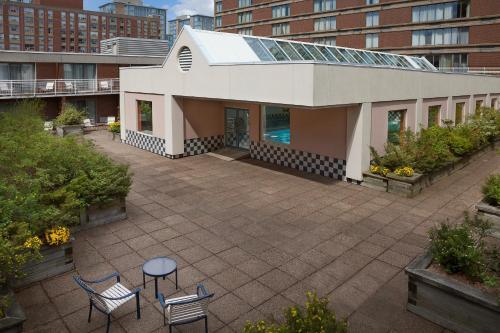Hotel Halifax - Photo 6 of 33
