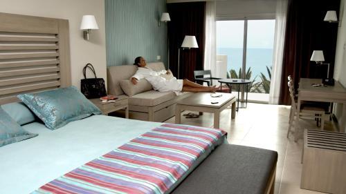 Hd Beach Resort 12