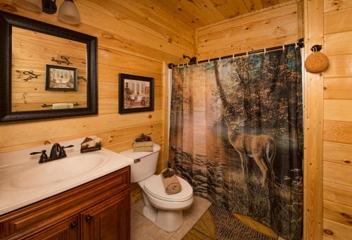 Poolin' Around One-Bedroom Cabin - Pigeon Forge, TN 37863