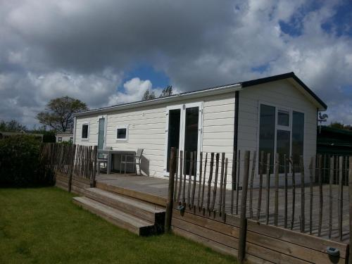 . Comfy chalet with dishwasher, near the Wadden Sea