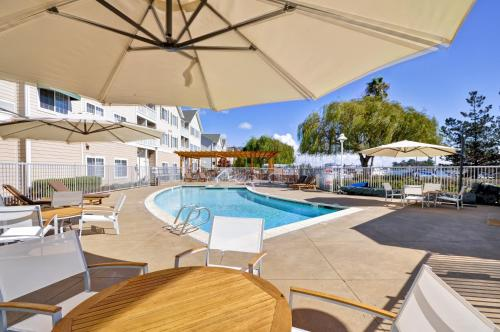 Homewood Suites by Hilton - Oakland Waterfront - Oakland, CA CA 94606