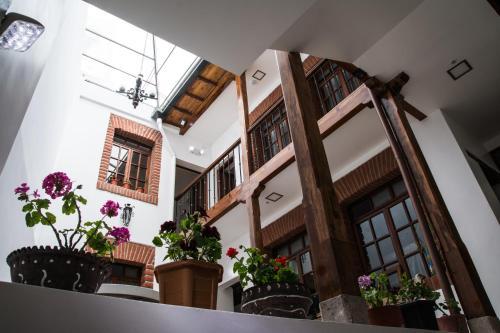 HotelHotel Casa Ecuatreasures Centro Historico