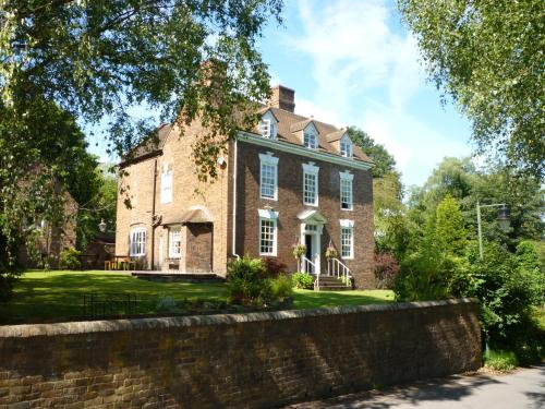 Calcutts House (Bed & Breakfast)