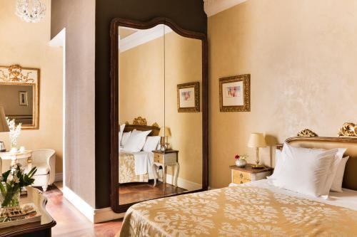 Habitación Premium con patio Hotel Casa 1800 Sevilla 14