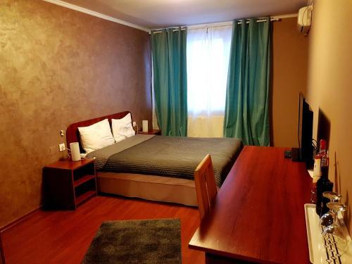 Hotel Hotel Mic