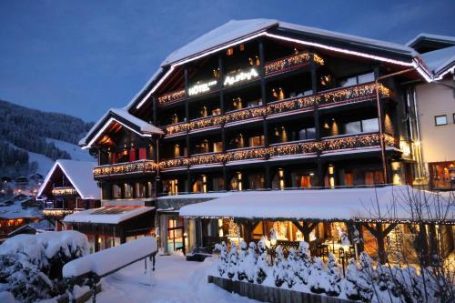 Hôtel Alpina - Hotel - Les Gets