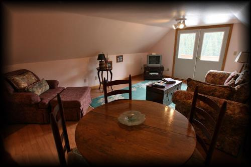 Alpine Motel Of Cooke City - Gardiner, MT 59020