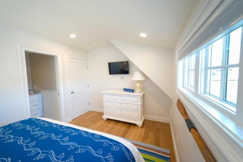 The Newport Lofts - 611 Thames Street - Newport, RI 02840