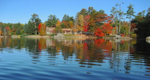 Alamoosook Lakeside Inn Orland - Orland, ME 04472