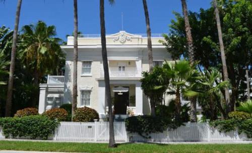 Weatherstation Inn Circa 1911 - Key West, FL 33040