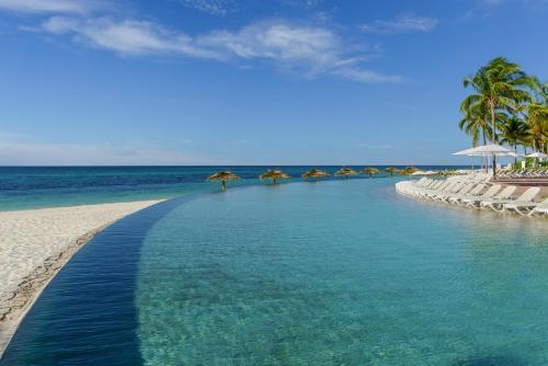 1 Sea Horse Road, Freeport, Bahamas.