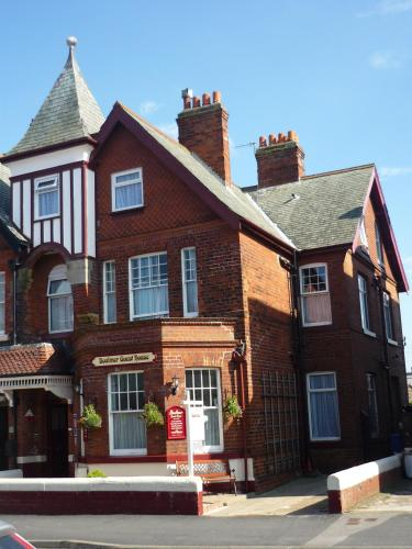 Boulmer Guest House, Whitby Seafront