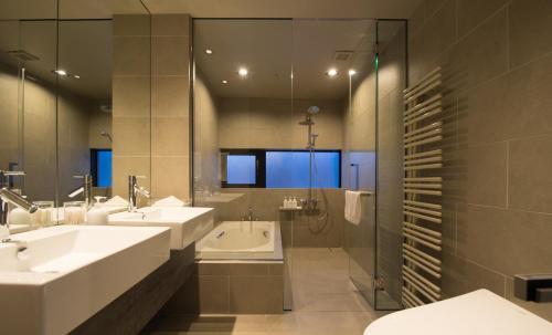 3BR Premium Suite - Top Floor