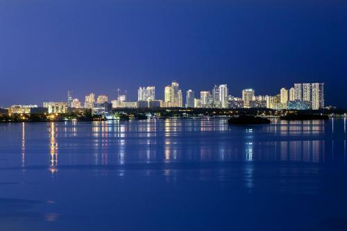 Moderno Residences By Bay Breeze - Miami Beach, FL 33154