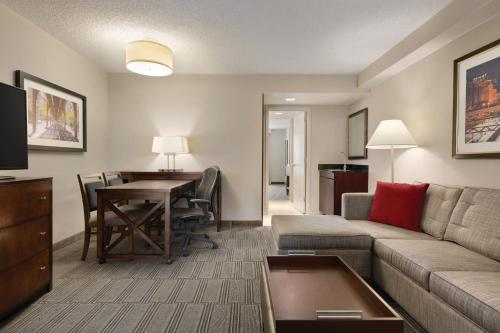 Embassy Suites Hotel Chicago-Lombard/Oak Brook