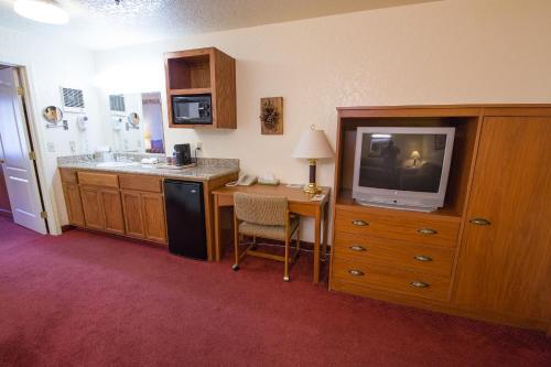 Murphys Suites - Murphys, CA 95247