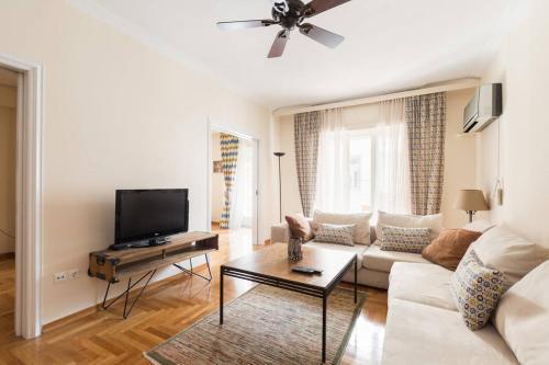 . Irodotou Grand Apartment