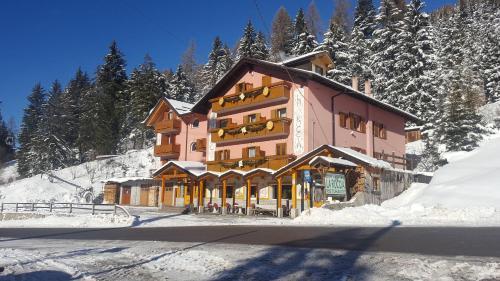 Hotel La Roccia Passo Tonale